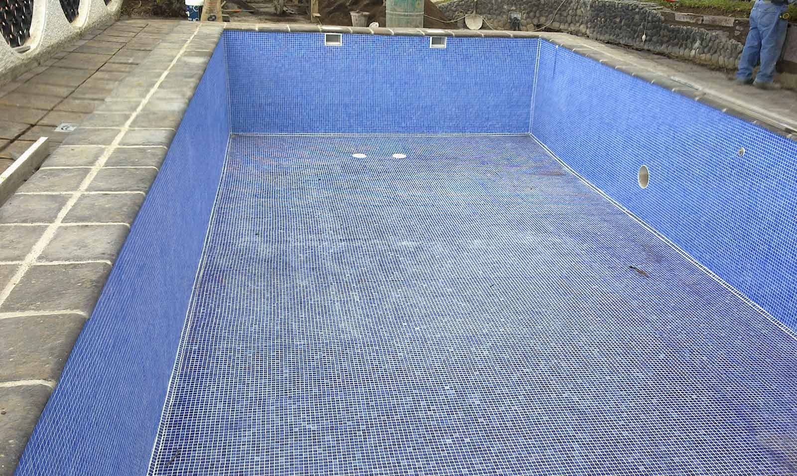 Reforma piscina en puerto de la cruz construcciones for Piscina 3 re